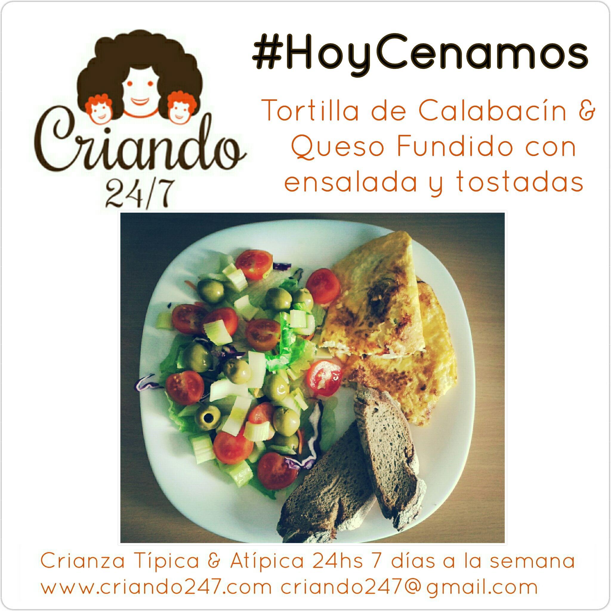 Criando247 #hoyCenamos Tortilla calabacín y ensalada